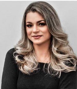 Karla Leão